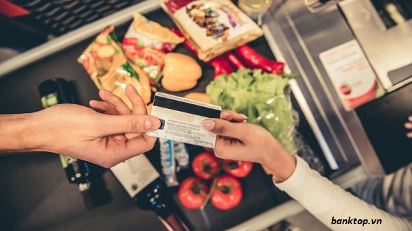 Sử dụng thẻ tín dụng hợp lý