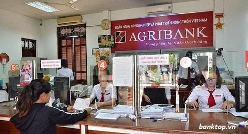 Giờ hành chính tại Agribank bắt đầu lúc 8 giờ sáng