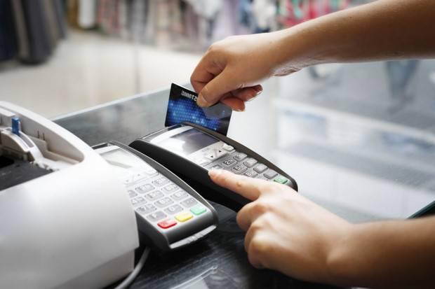 Cà thẻ tín dụng thanh toán tiền điện