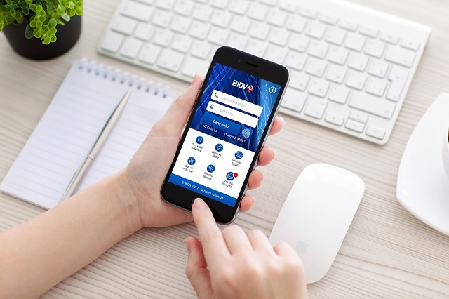 Kiểm tra số dư thông qua ứng dụng BIDV Smart Banking