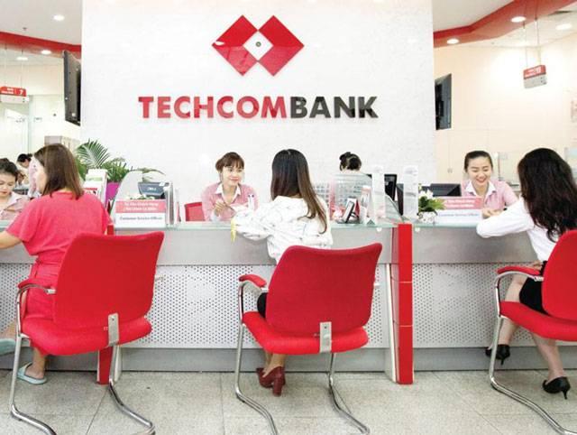 Ngân hàng Techcombank triển khai tiếp nhận giao dịch ngoài giờ.