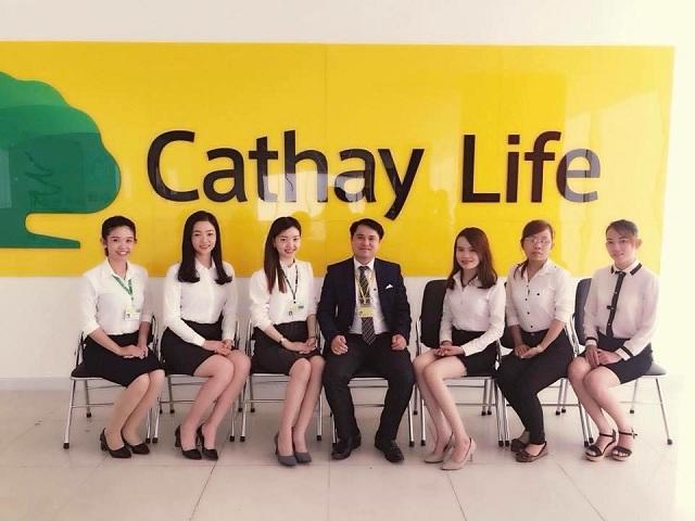 Nguyên nhân nào khiến khách hàng nhận xét Cathay Life lừa đảo