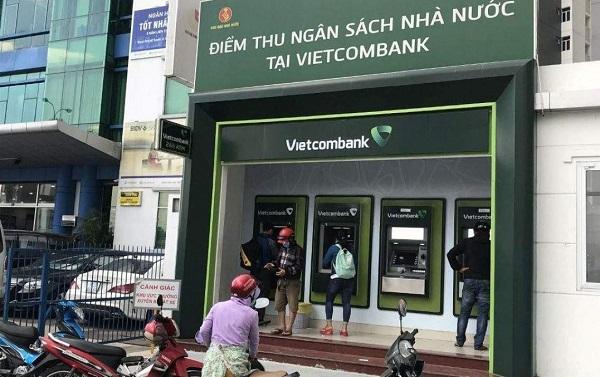 Cây ATM ngân hàng Vietcombank