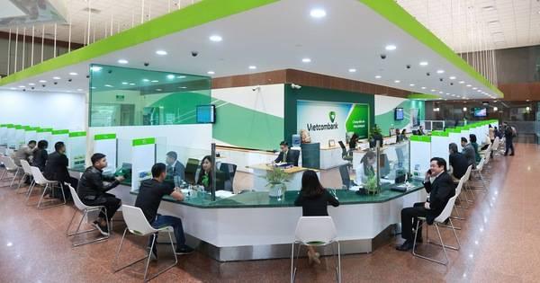 Chuyển khoản từ Vietcombank đến ngân hàng khác tại chi nhánh