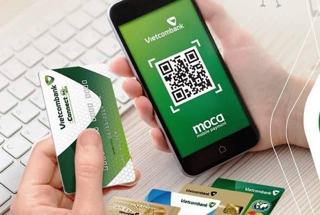 Khách hàng có thể đăng ký mở thẻ tín dụng Vietcombank online hoặc offline