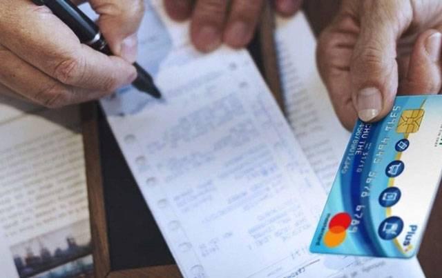 Khi cần thiết, nên hủy thẻ tín dụng để bảo mật dữ liệu và thông tin bên trong.