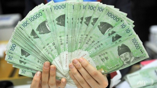 Tiền Won(원) (Ký hiệu: ₩; code 4217: KRW) là đơn vị tiền tệ của Hàn Quốc