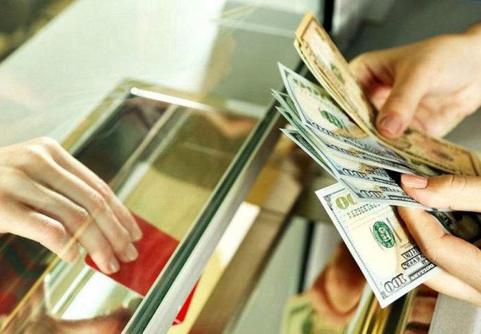 Đổi tiền tệ ở cửa hàng Quốc Trinh nhanh chóng và giá tốt
